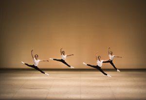 © Kiran West - Erste Schritte - Ballettschule des Hamburg Ballet