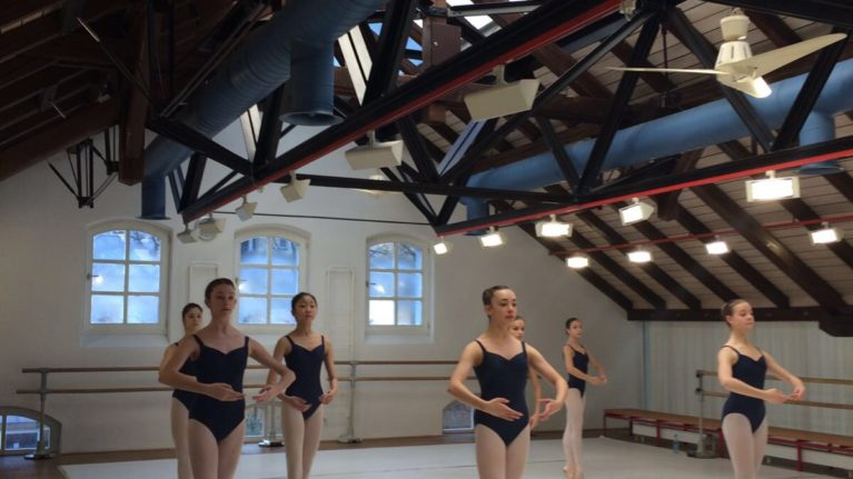 Girls morning class Ballett-Akademie Munchen